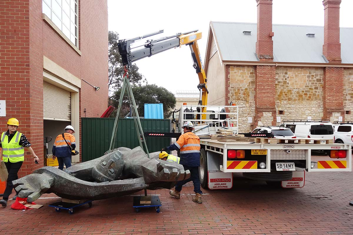 Sculpture arriving at Artlab Australia