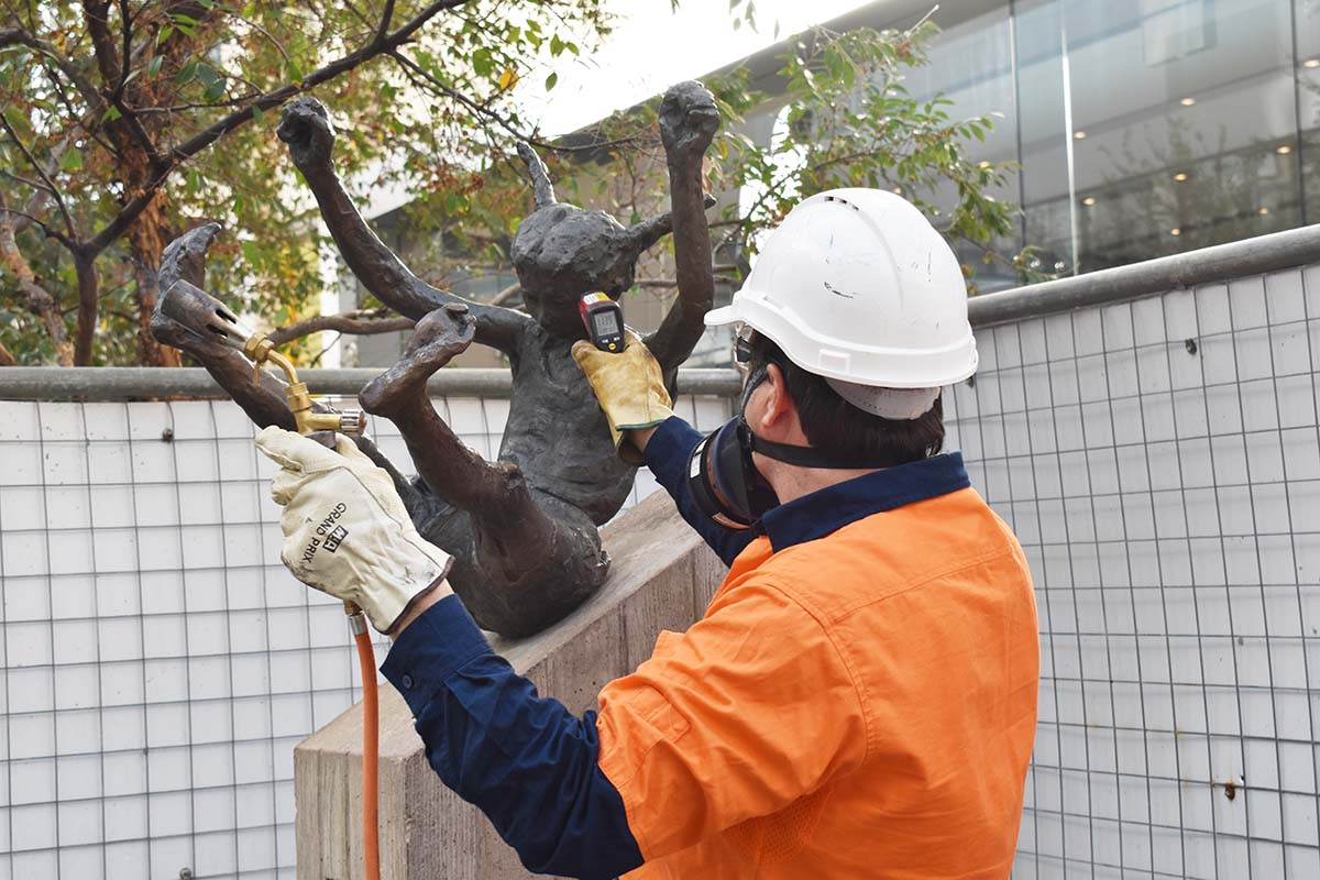 Conservator heating surface of bronze